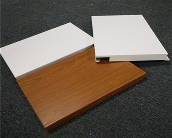 金铝质勾搭式天花铝单板